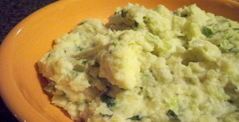 Wasabi and Green Onion Mashed Potatoes are a special way to serve up everyone favorite side dish this holiday season.  Asian flavors add a kick to potatoes.